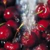 3 përfitime të pabesueshme të lëngut të thartë të qershive