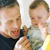 Kur fëmijët qajnë shumë, këshilla për baballarët