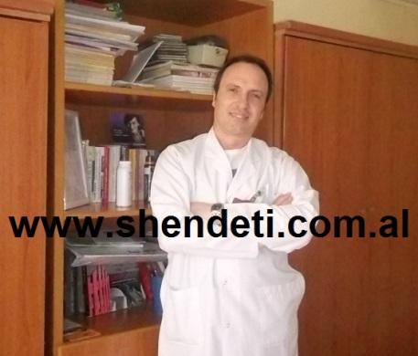 Dr. Sokol  Isaraj, kirurg plastik duke folur për Shëndeti+