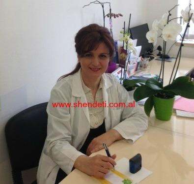 Dr. Blerta Gjoni duke folur për gazetën Shëndet+