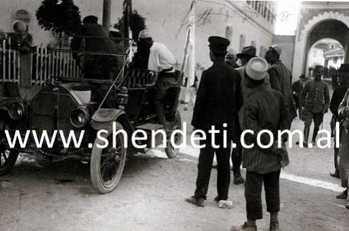 Durrës, automjet për transportin e të plagosurve