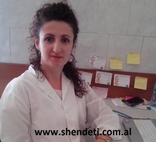 """Dr. Ardiana Sinani duke folur për  """"Shëndet+"""""""