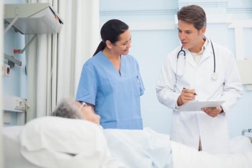 mjek infermiere pacient