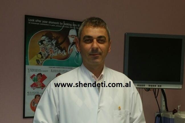 Dr. Bardhyl Popa duke folur për gazetën Shëndet +
