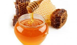 Pyet mjekun: Çfarë efekti ka mjalti tek të sëmurët me diabet?
