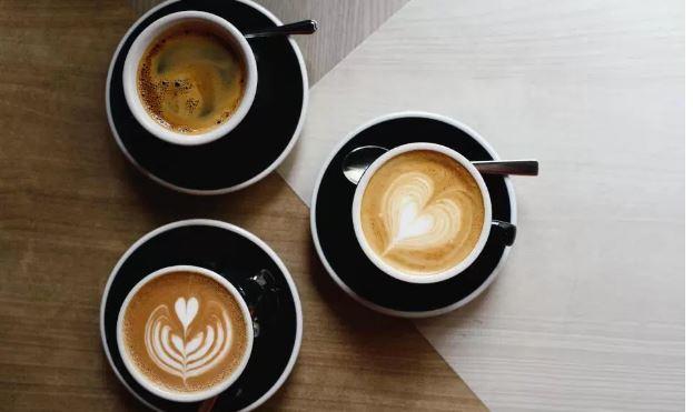 3 filxhanë kafe në ditë, kundër kancerit dhe pro zemrës